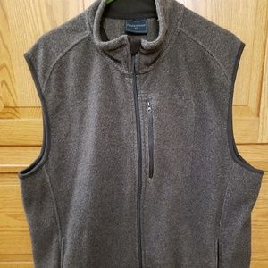 Like new Field &Stream warm vest